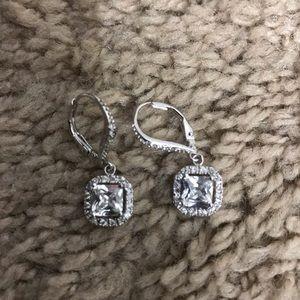 Jewelry - Necklace/ earrings bundle